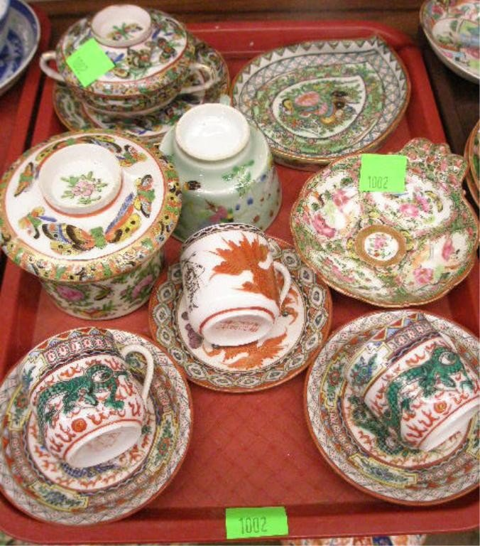 1002: Chinese Porcelain Group