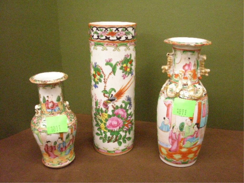 1011: 3 Chinese Rose Medallion Vases