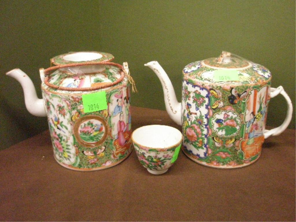 1014: 2 Chinese Rose Medallion Porcelain Teapots