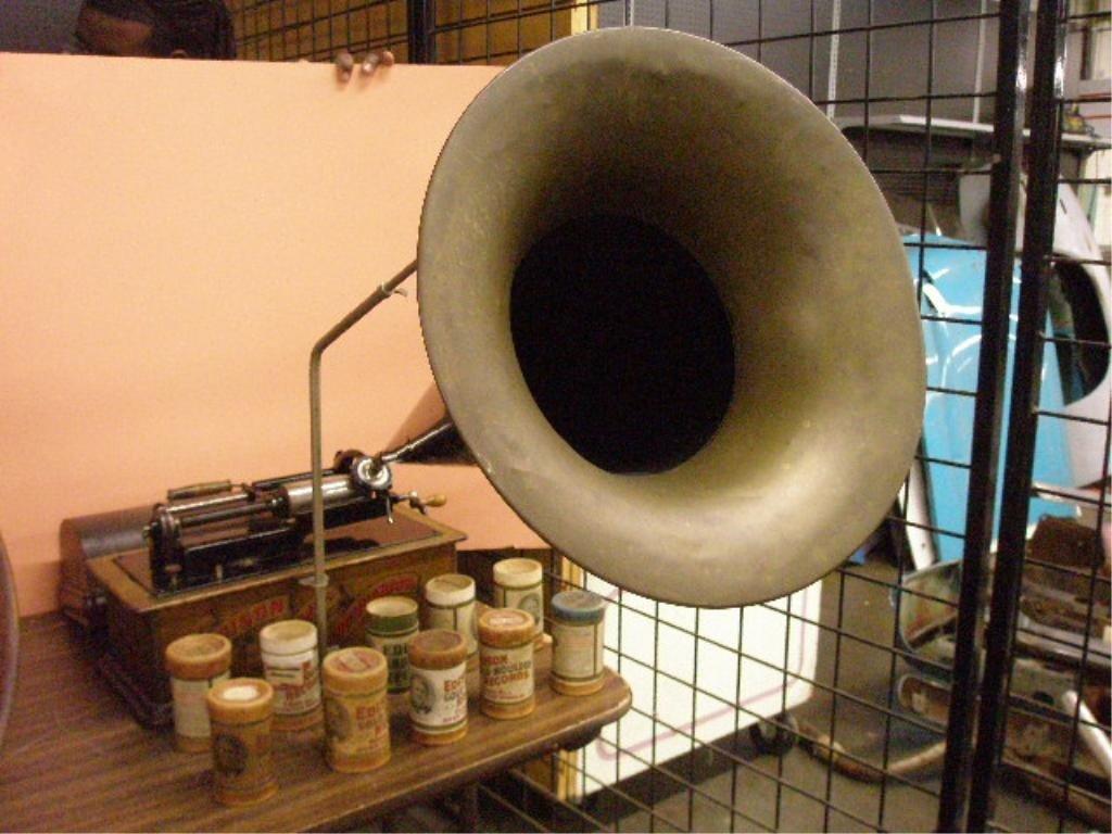 2214: Edison Model C Home Phonograph
