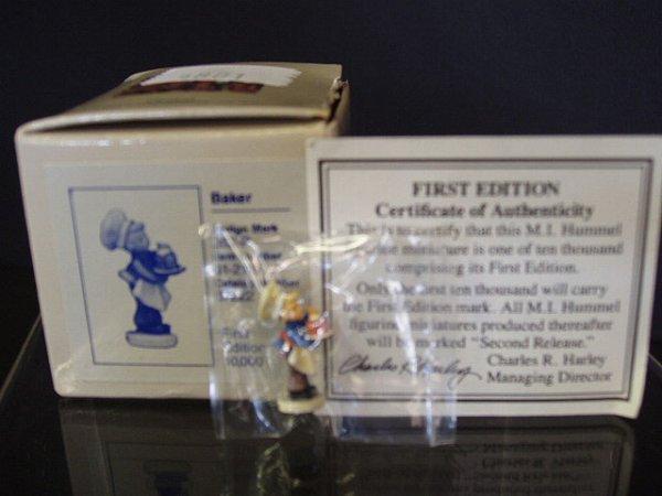 "6003: Hummel miniature NIB ""Baker"" 1st edition"