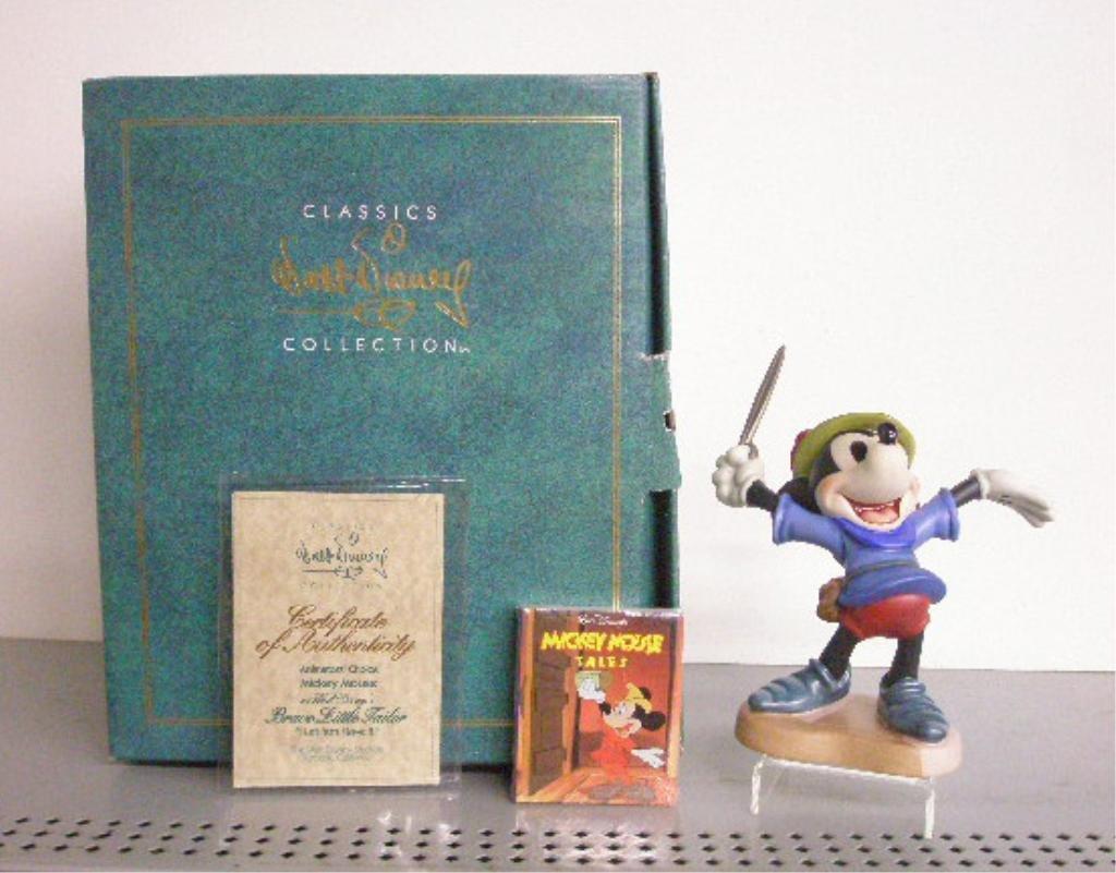8: Walt Disney Classics Collection Figurine