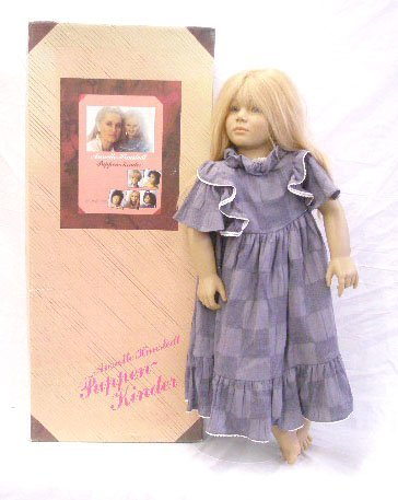17: 1988 Annette Himstedt Malin Doll