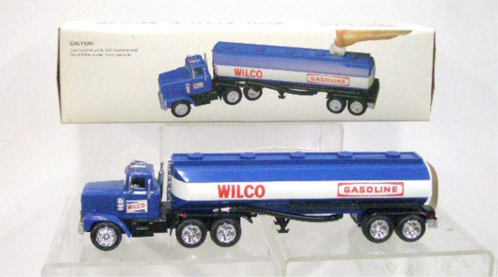 21: 1985 Wilco Gasoline Toy Truck Bank