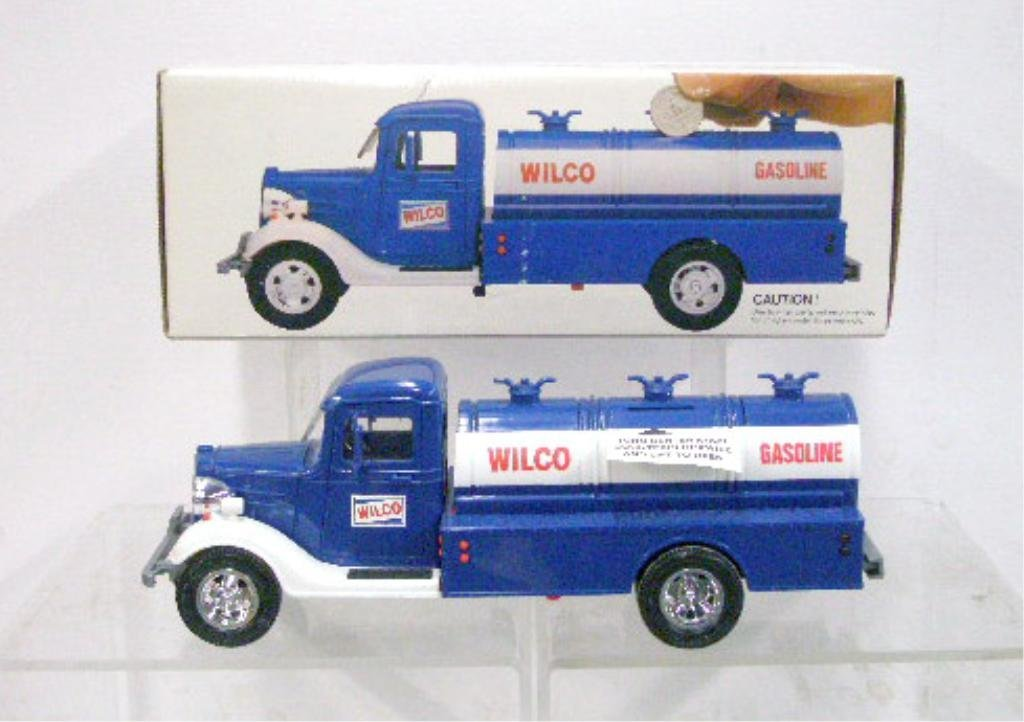 22: 1986 Wilco Gasoline Toy Truck Bank
