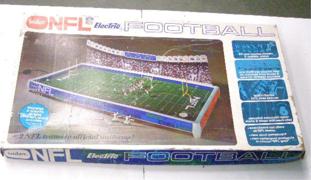 368: 1960's Tudor NFL Electric Football Game