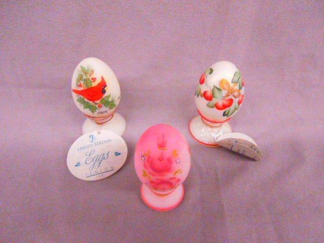 (3) Fenton Eggs