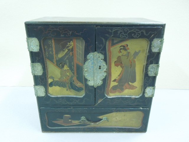 Japanese Lacquered Jewelry Cabinet
