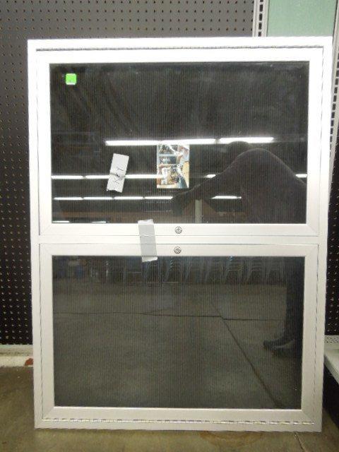 Double Door Wall Display Aluminum & Glass w/key