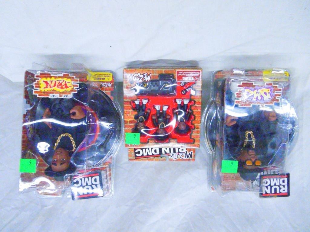 2 Run DMC Figures By Mezco &1 Run DMC Mez-itz Set