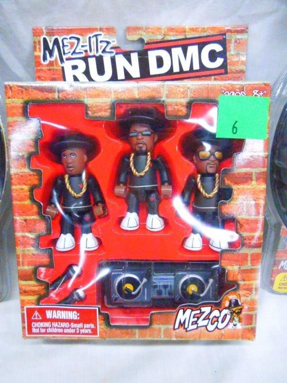 2 Run DMC Figures By Mezco &1 Run DMC Mez-itz Set - 3