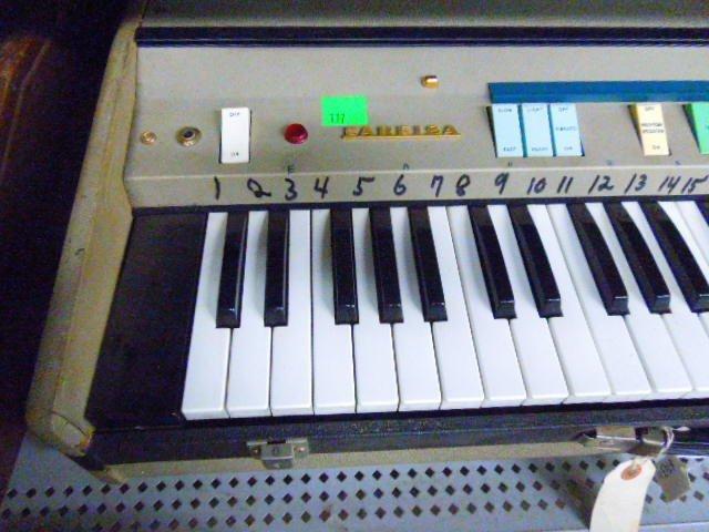 Farfisa Mini Compact Organ - 2