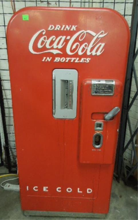 Five ¢ Coca -Cola Vending Machine