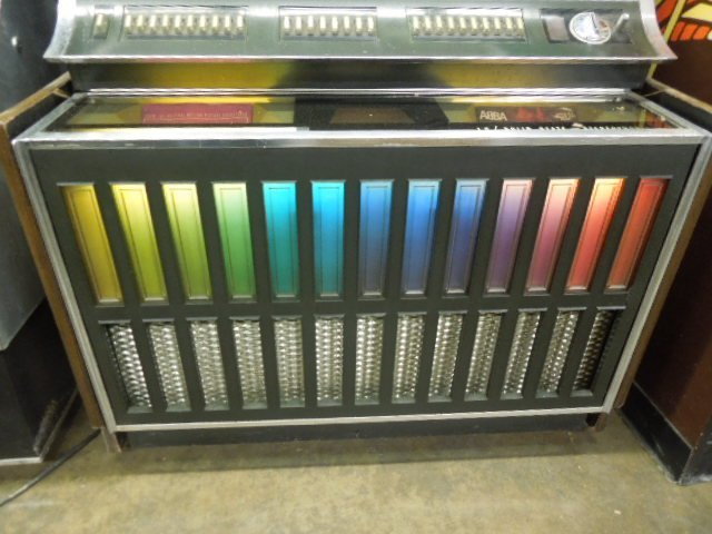 Vintage Rock-Ola Model 442 Jukebox - 3
