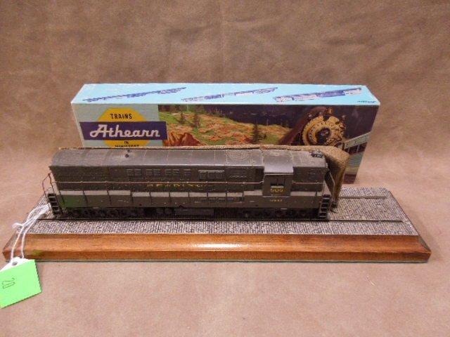 Athearn HO Scale Reading Trainmaster Locomotive