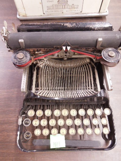 Vintage Corona manual typewriter
