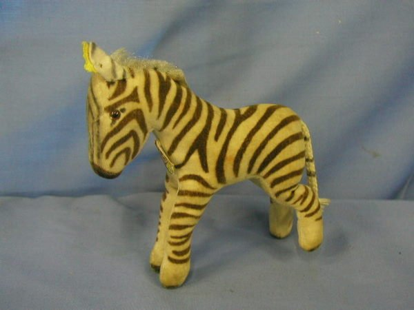 1008: Steiff animal, zebra