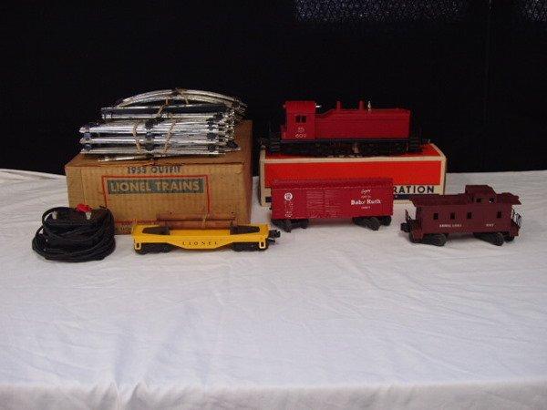 1051: Lionel postwar  -  #1955 Outfit 4 piece train set
