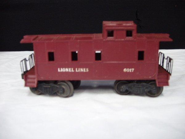 1051: Lionel postwar  -  #1955 Outfit 4 piece train set - 6