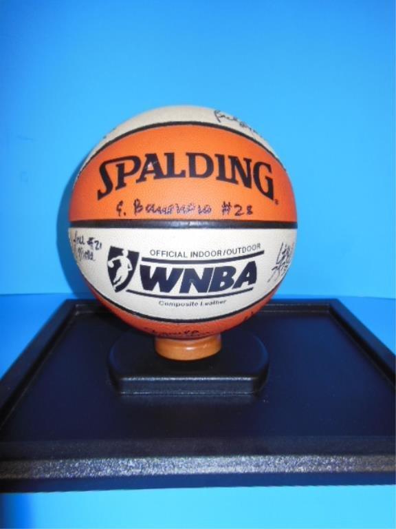 2005 WNBA team signed New York Liberty basketball