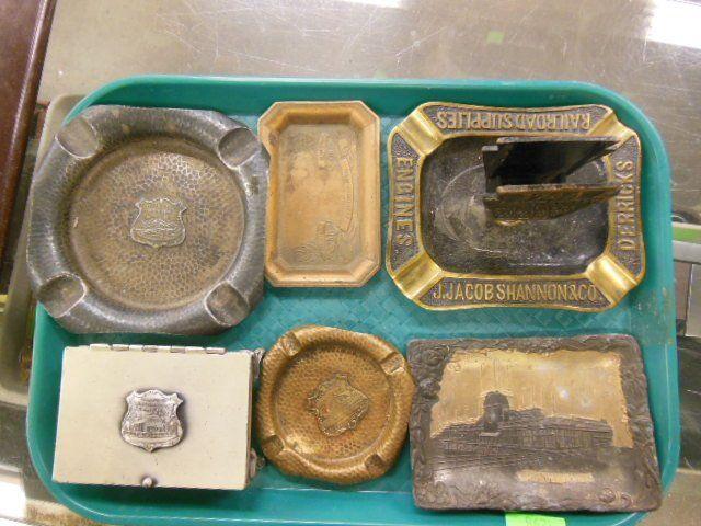 6 Vintage souvenir trays and box