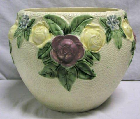 """4013: Roseville pottery vase """"Rozane"""""""