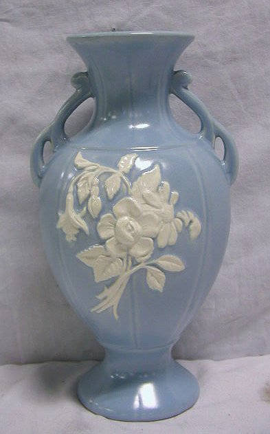 """4014: Weller pottery vase """"Cameo"""""""