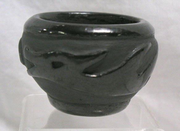 4023: Amer. Indian pottery vase