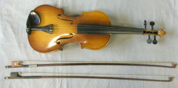 57: Chinese violin labeled Lark