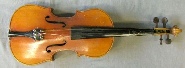 59: Chinese violin labeled Lark