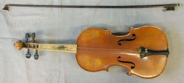 74: German violin, labeled: Ton-Klar/The Dancla