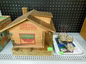 1915 Converse Co. Wood Dollhouse With Furniture