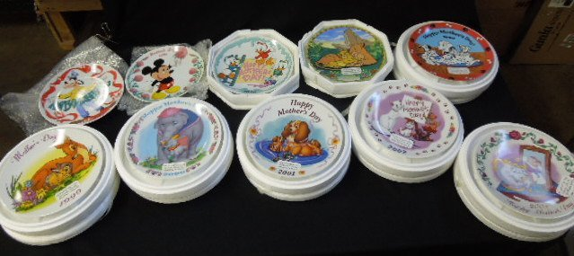 10 Disney Mother's Day Plates