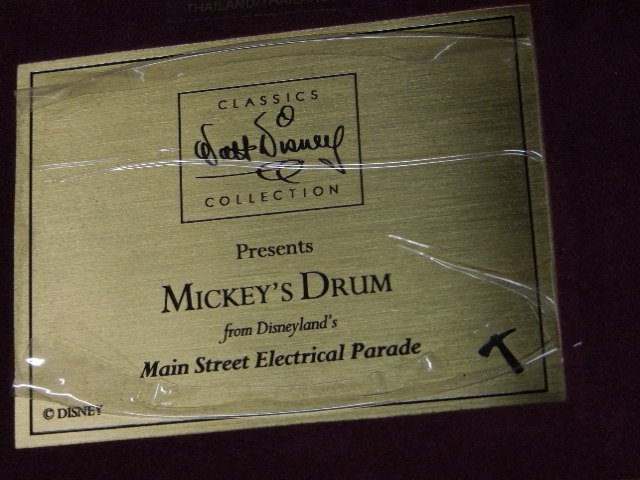 WD Classic Collection Mickey's Drum - 4