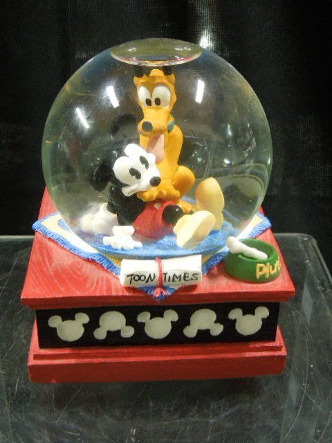 2 Disney MM Musical Snowglobes