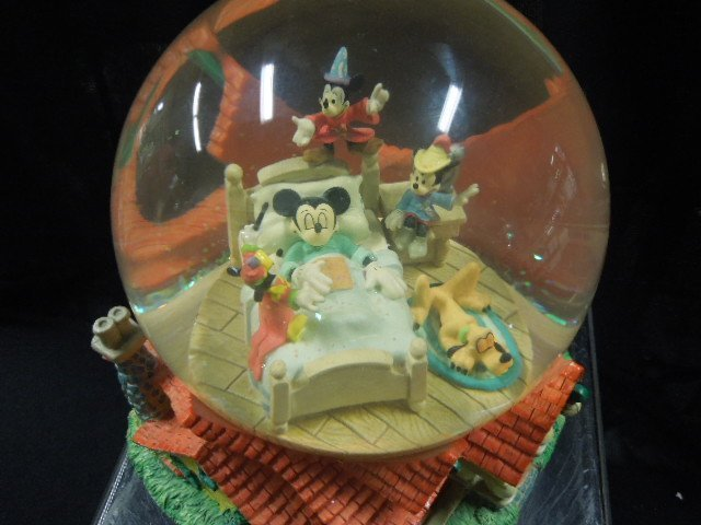 Disney MM Musical Snowglobe - 3
