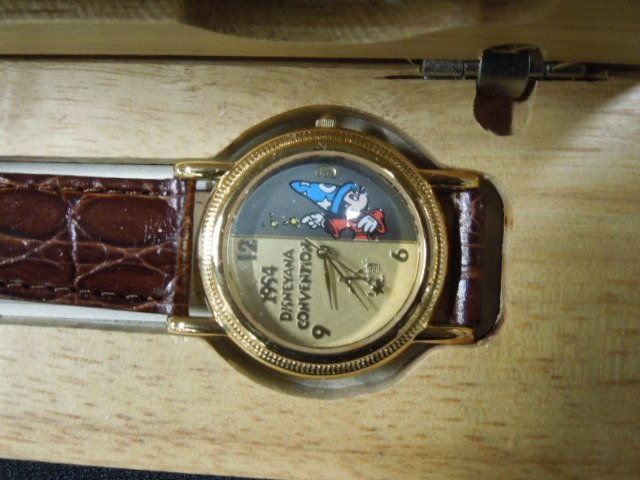 Sutton 1994 Disneyana Convention Watch - 2