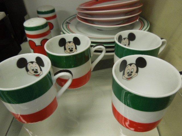 14 Pc Gourmet Mickey China - 3