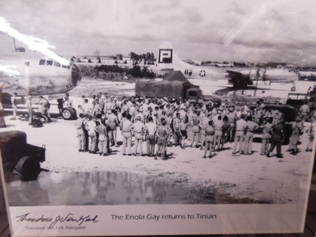 "Franklin Mint ""Enola Gay Returns to Tinian"" Photo - 2"