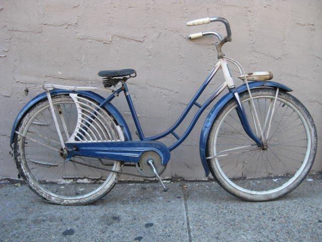 1950's Elgin ladies balloon tire bicycle