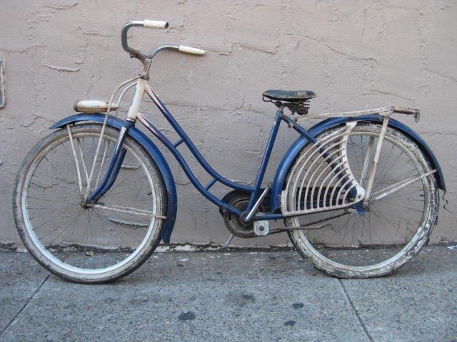 1950's Elgin ladies balloon tire bicycle - 2