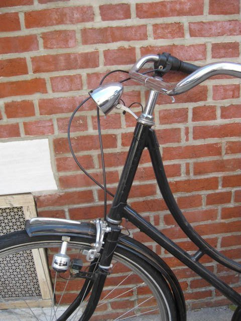 Ladies frame Dutch style bicycle. - 3
