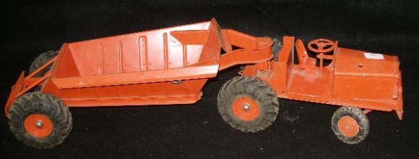 1017: Pressed steel farm tractor and trailer
