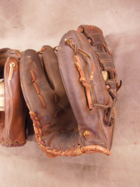3 Vintage Autograph Style Baseball Gloves - 5
