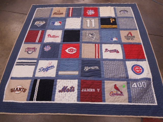 Quilt w/MLB Team Logos