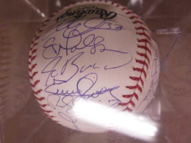 2008 Philadelphia Phillies Signed Baseball - 4