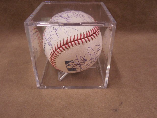 2008 Philadelphia Phillies Signed Baseball - 5