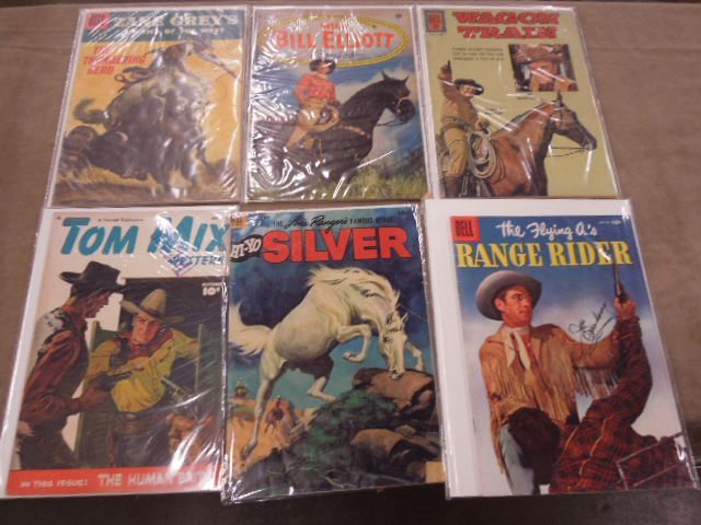 Lot Western Themed Comic Books - 2