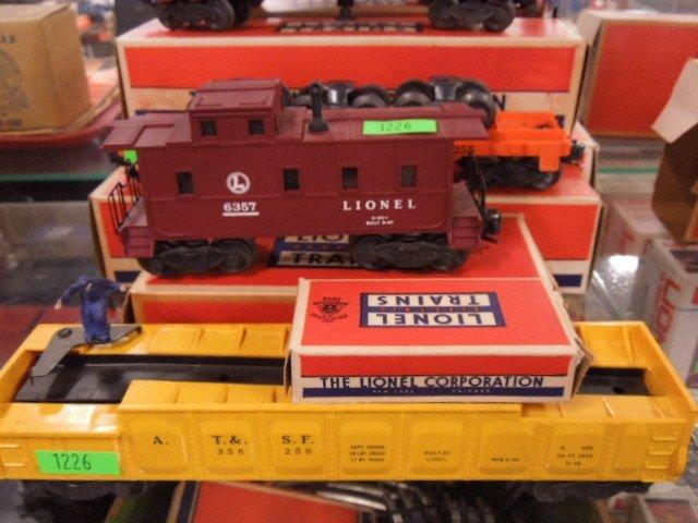 4 Lionel Train Cars - 2