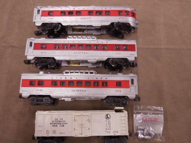 4 Lionel Post War Train Cars